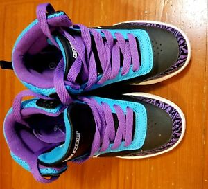 Side walk sport shoes
