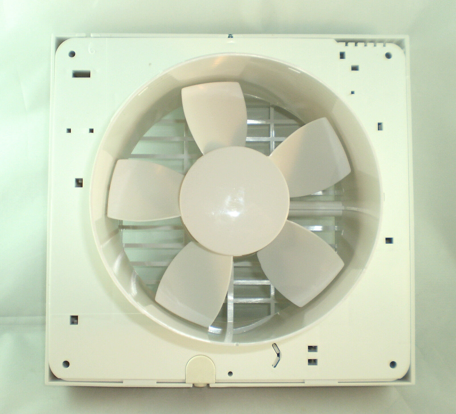 Airvent white kitchen standard extractor fan 6 150mm for Kitchen extractor fan