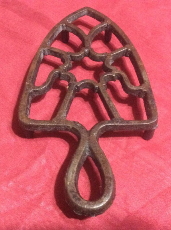 Vintage Cast Iron Trivet - 4 Footed Sad Iron Trivet STAR CENTER Hanging Handle
