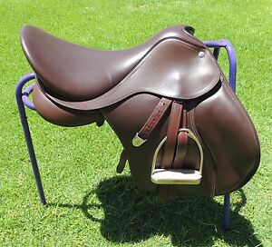"""Bates All Purpose 17"""" Brown Leather Saddle - POST FOC in Aust. Hillarys Joondalup Area Preview"""
