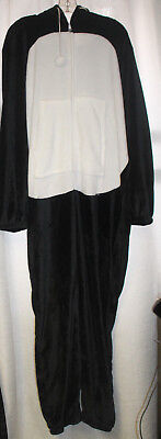 NEW WOMENS PLUS SIZE 3X  PENGUIN  BLACK AND WHITE ONE PIECE PAJAMAS WITH HOOD