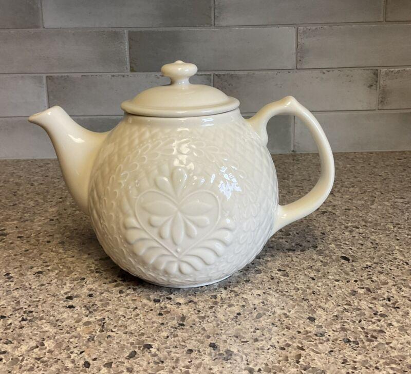 Longaberger 2004 CC Collectors Club American Craft Originals Teapot Ivory