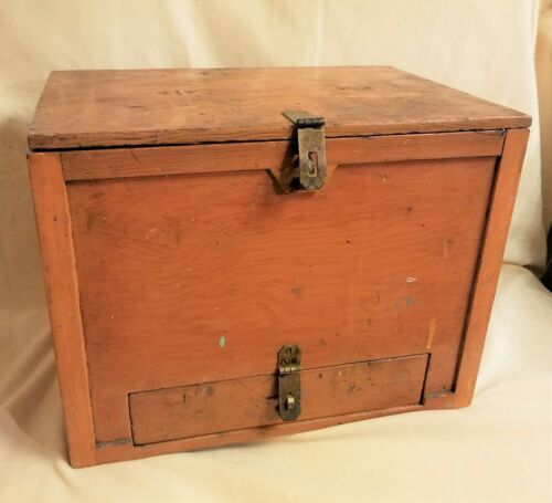 FANTASTIC VINTAGE WOOD SINGLE DRAWER TOOL BOX.