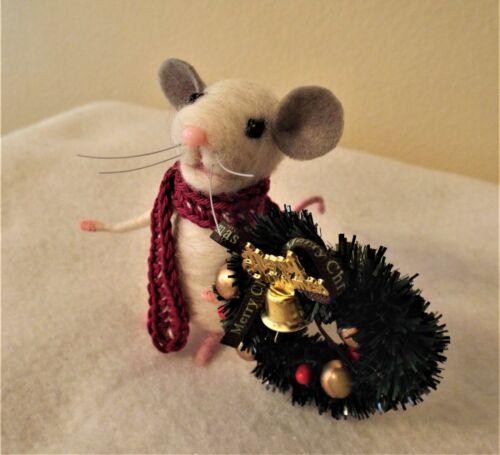 Needle Felted Mouse with Christmas Wreath Needle felted Animals...