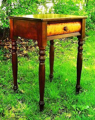 Cherry & Birdseye Sheraton Federal Furniture Antique Nightstand Side Table 1795