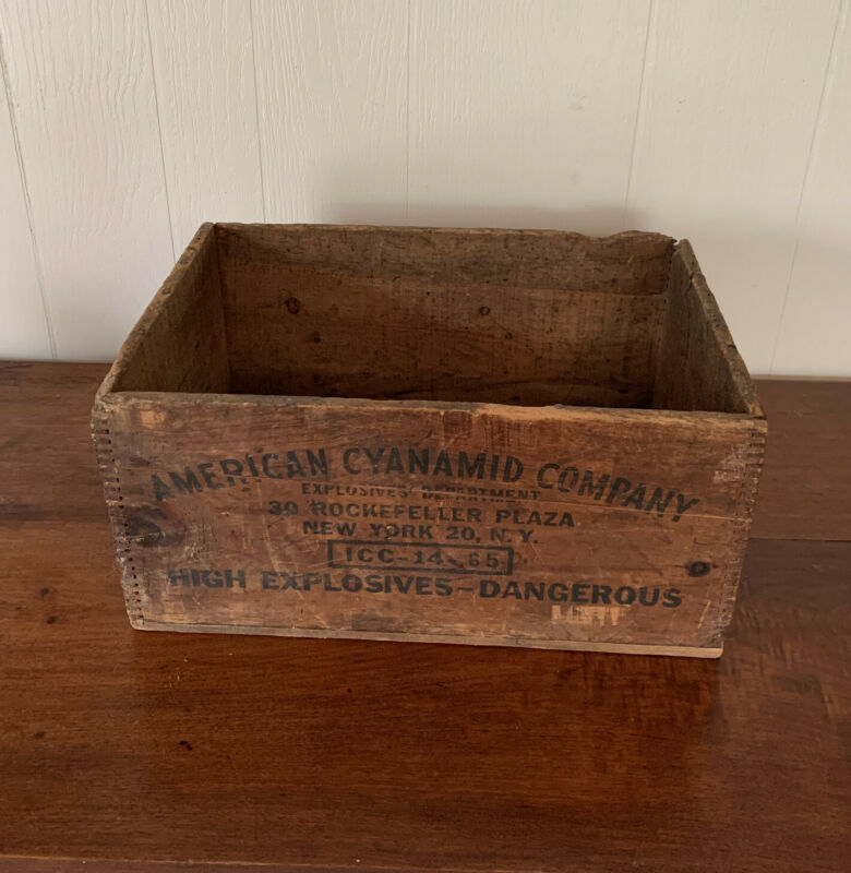 Wooden Crate American Cyanamid Co. Dynamite 50 Lbs Box Rockefeller NY Vintage