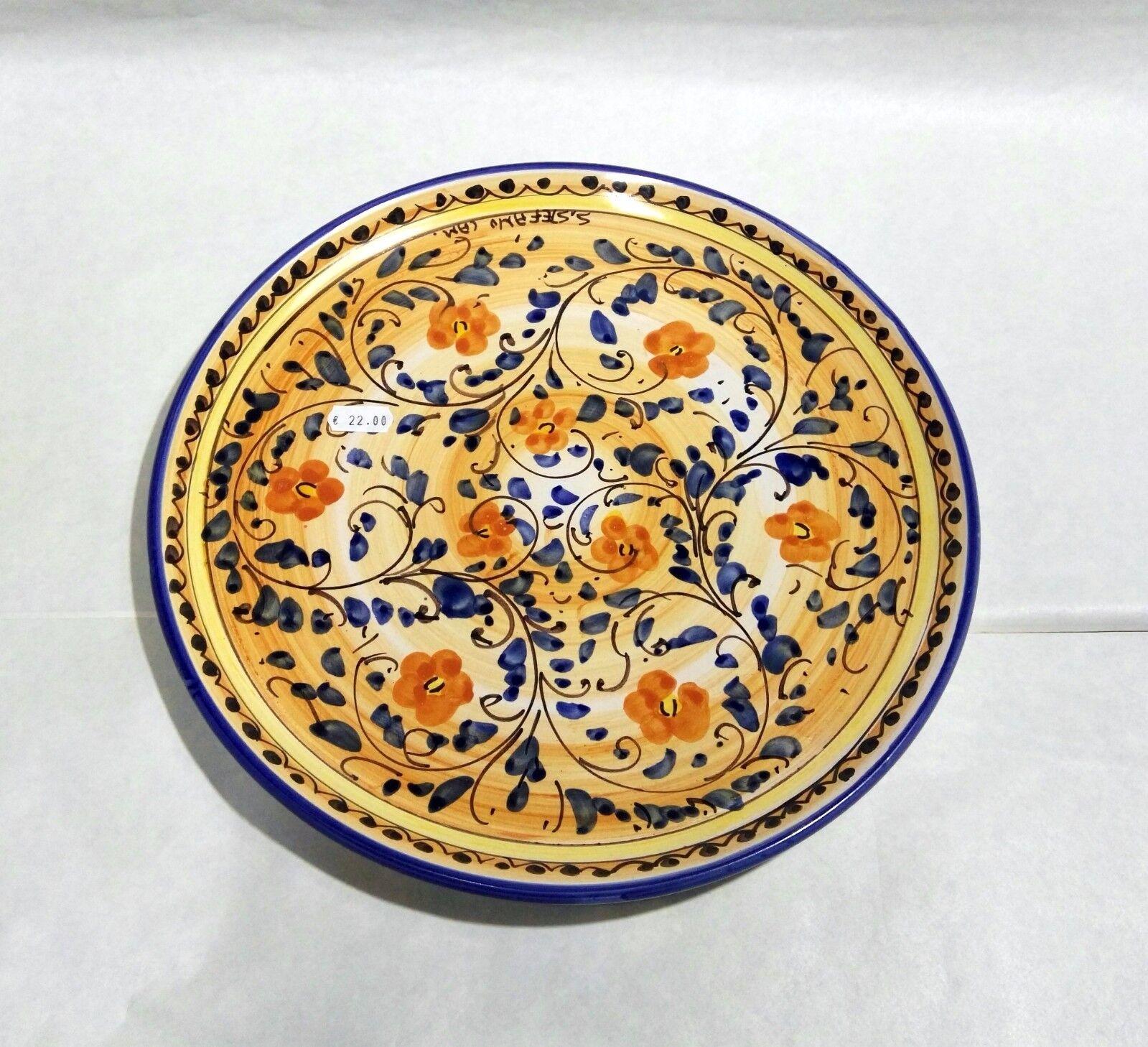 Piatto piano realizzato a mano in ceramica di St. Stefano