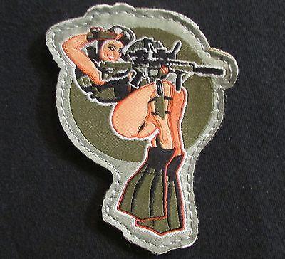DIVE GIRL MARINE USA NAVY SEALS PINUP SAILOR SCUBA COLOR HOOK PATCH](Navy Pinup Girl)