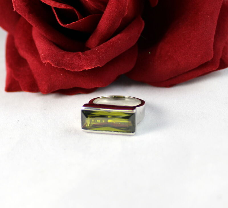 Sterling Silver Sparkling Green  Ring Size 6  FERAL  CAT RESCUE
