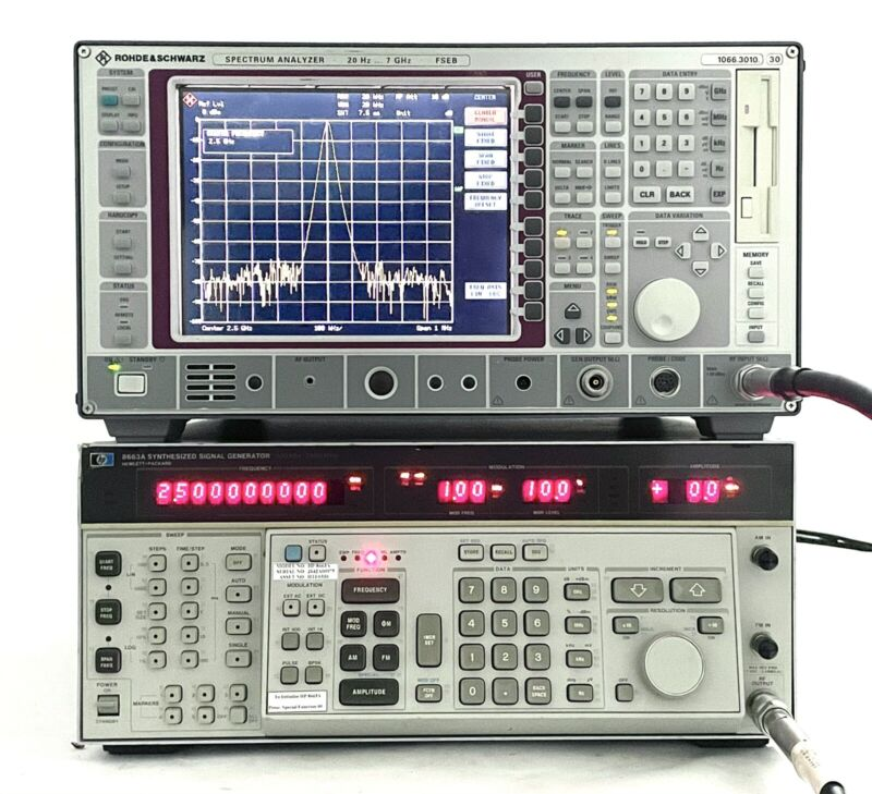 HP AGILENT 8663A SYNTHESIZED SIGNAL GENERATOR 2.5 GHz