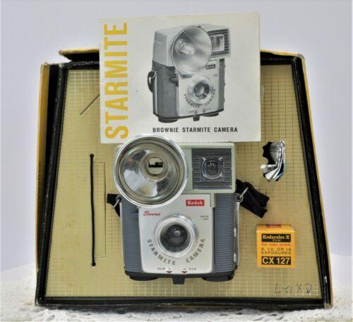 Vintage Kodak Brownie Starmite Flash Camera No 20 H in Original Box          B18