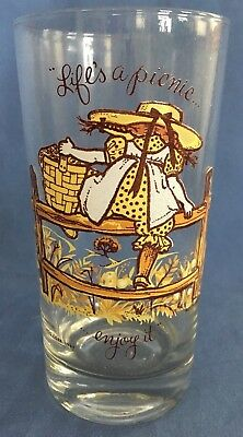 1969 American Greetings Holly Hobbie 12oz Drinking Glass Lifes A Picnic Heather