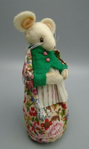 Felted Mouse in a Floral Dress & White Apron