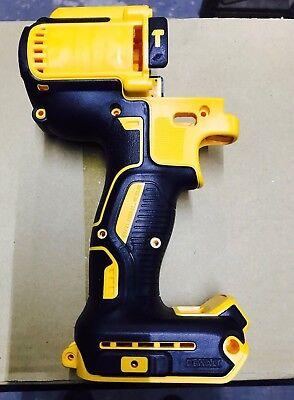 N419324 Dewalt Cordless 20v Hammer Drill-driver Dcd996m Clam Shell N578871