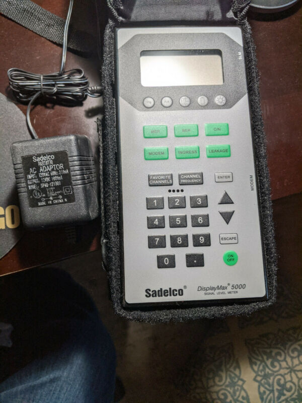 Sadelco DisplayMax 5000 Signal Level Meter Used with Case and Power Supply
