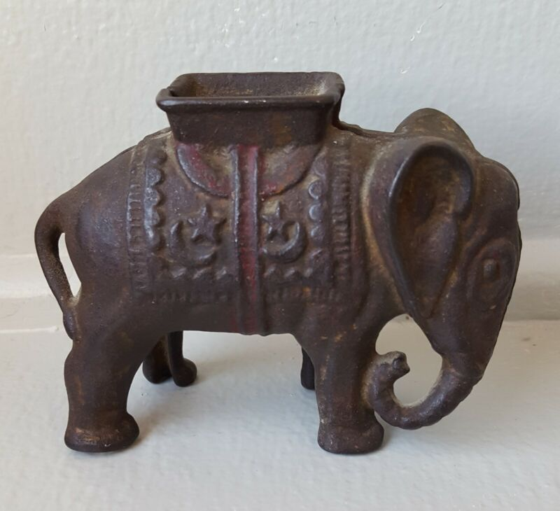 Vintage A.C. Williams Cast Iron Elephant Still Coin Bank  Very Nice Condition