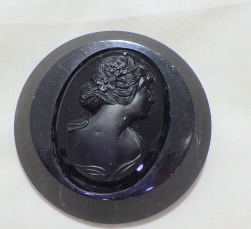 VICTORIAN BAKELITE LARGE BLACK BROOCH CAMEO CENTER IN ONYX  2 1/8