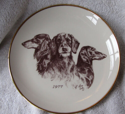 Vintage Rare Laurelwood 1977 First Issue The Dachshund Ceramic 8 1/2 Inch Plate