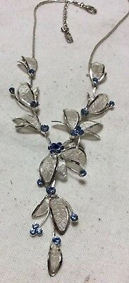 Blue Sapphire  Rhinestone Choker/Bib Necklace. Silvertone Mesh leaves Signed