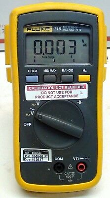 Fluke 110 True RMS Multimeter Voltmeter