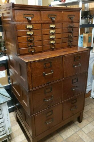 Original Yawmen & Erby Quartersawn Oak Stacking File Unit