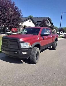 2010 Dodge Ram 2500 Cummins diesel *Laramie/Sport* lifted