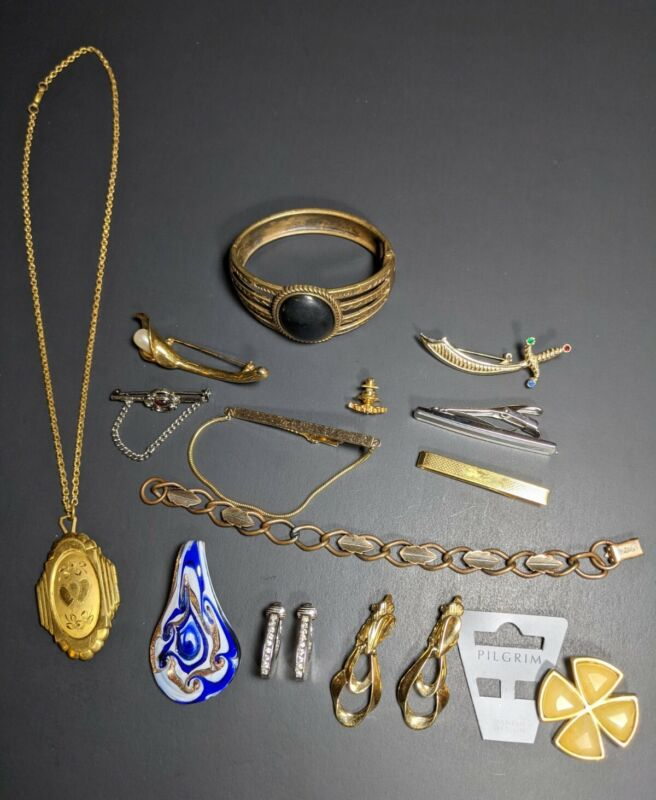 Lot Of Costume Jewelry Very Nice Trifari Gold Filled Pilgrim Southwestern...