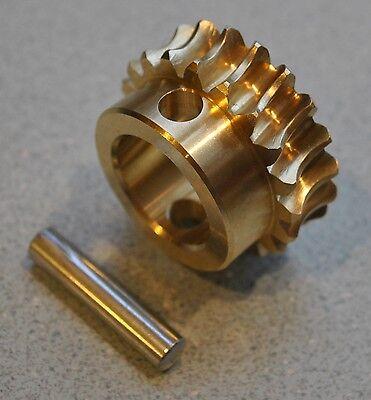 John Deere Snowblower Bronze Auger Gear And Pin Am130756 1128d 924de