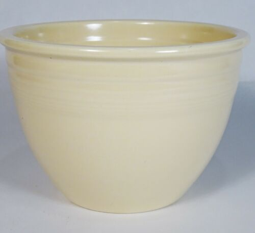 Vintage 1930s FIESTA #3 Ivory MIXING BOWL - Center Rings