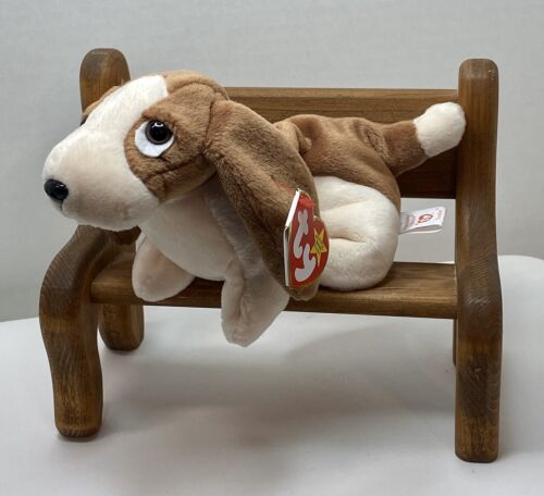 TY Beanie Baby Tracker The Dog With Tag Retired   DOB: Jun 5