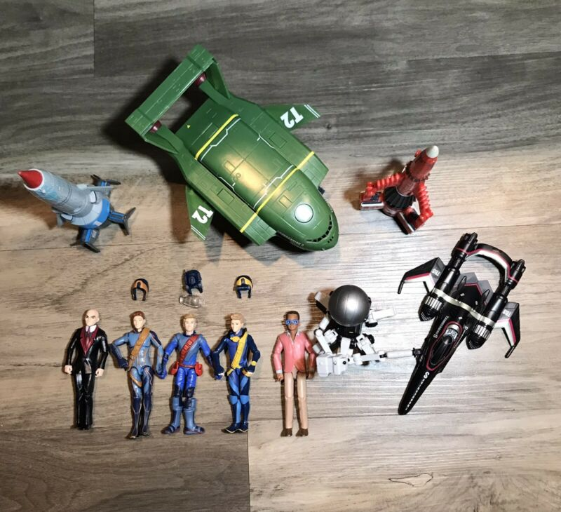 THUNDERBIRDS ARE GO Lot of 10 included 5 Figures 4 Vehicles And MAX