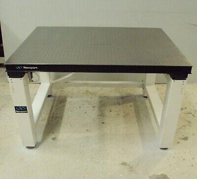 Newport 4 X 4 Optical Breadboard Table Pneumatic Isolation Bench