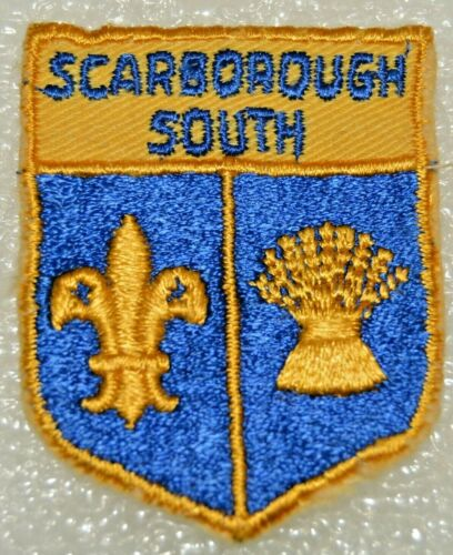 SCARBOROUGH SOUTH DISTRICT Cut Edge Shield Boy Scout Badge Cdn. (ONS4A) USED