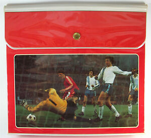 Vintage-1970s-TRAPPER-KEEPER-metal-snap-SOCCER-SPORTS-GOAL-great-condition