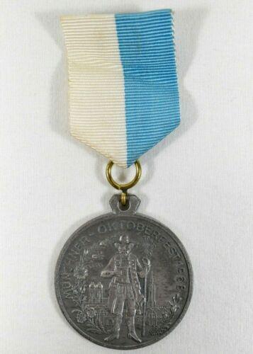 Vintage 1968 BAYERN Munchner Oktoberfest Medal