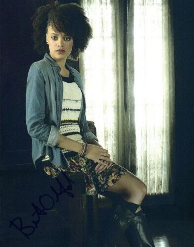 Britne Oldford Signed Autographed 8x10 Photo The Flash Hunters COA VD