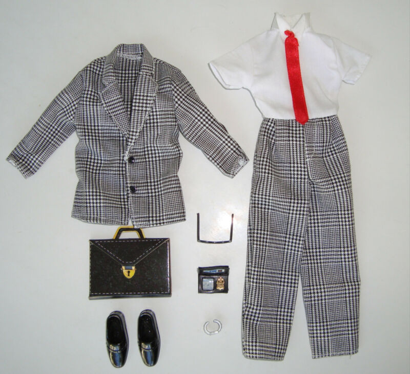BARBIE/ KEN Clothes/Fashion KEN BUSINESS SUIT W/ ACCESSORIES NEW!