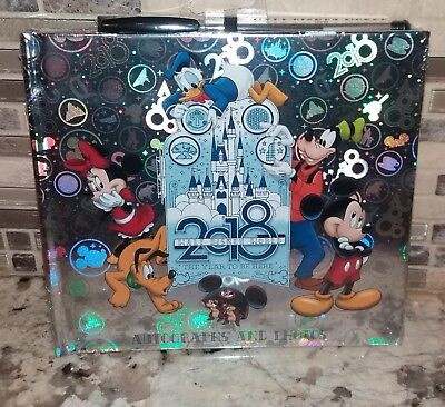 (DISNEY Parks 2018 'Year To Be Here' Hardcover Autographs & Photo Album Pen ~ NEW)