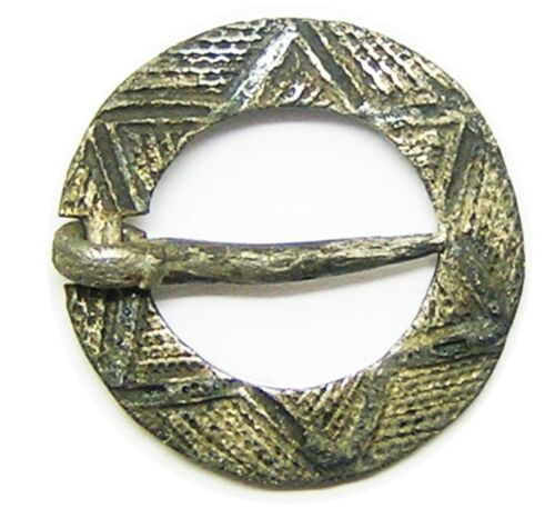 13th century Medieval silver ring brooch decorated with six pointed star intact
