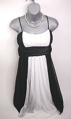 White Christmas Dresses For Women (Women Black and White Classy Dress for Wedding / Pageant / Prom /)