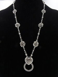 b6493737e55 New Antiqued Silver Eyeglass Holder Necklace with Roses   Heart Pendant   Z2030