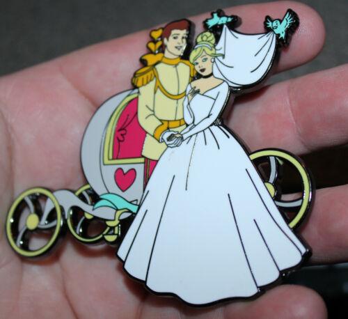 "PIN CINDERELLA & PRINCE CHARMING WEDDING CARRIAGE 3"" JUMBO FANTASY MAGIC KINGDOM"