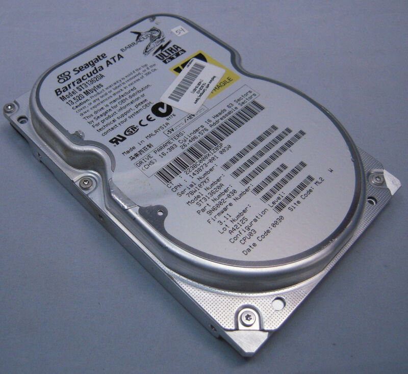 "Seagate Barracuda ST313620A 13.5gb vintage IDE 3.5"" hard drive!"