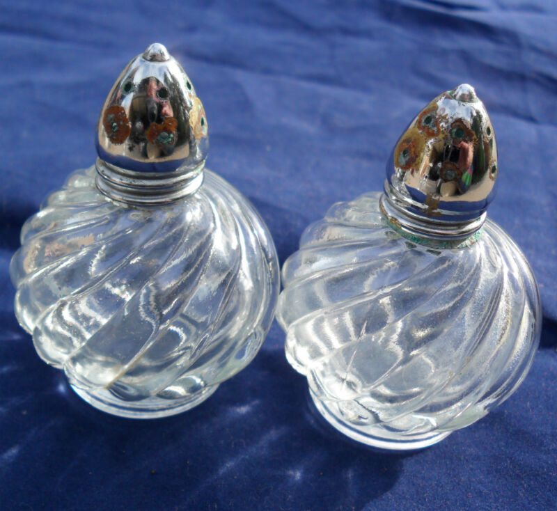 Vintage Swirl Round Salt & Pepper Shakers