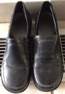 Women's dress shoes size 8