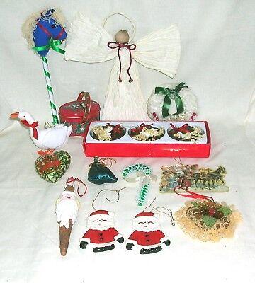 16 Vintage 1970s/80s  Christmas Tree Decorations corn husk angel, Santa, wreaths - 80s Xmas Decorations