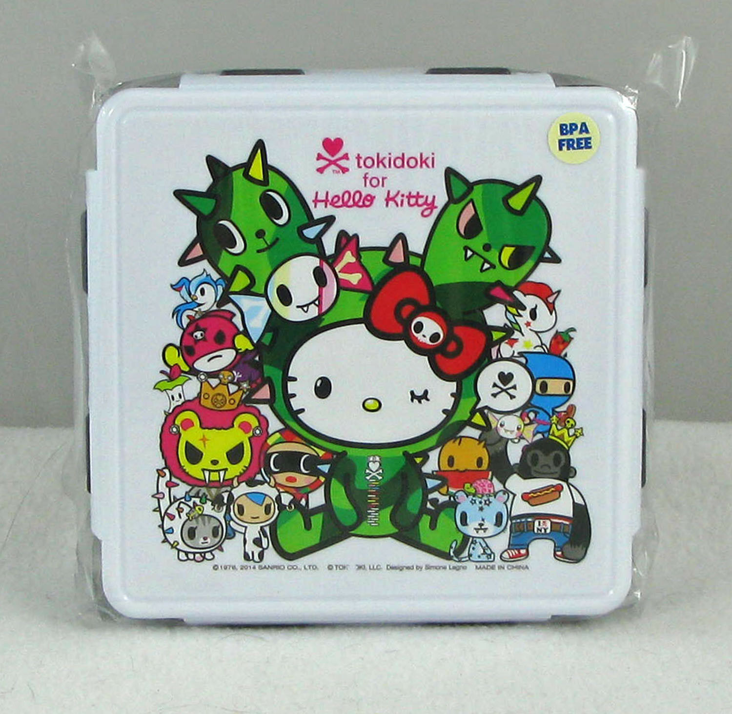 tokidoki hello kitty sandy bento box kit reunion lunch container w fork spoon. Black Bedroom Furniture Sets. Home Design Ideas