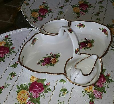ROYAL ALBERT  old country roses strawberry dish