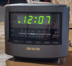 Aiwa Fm/Am Clock Radio Receiver FR-A45U Alarm Clock  AC 120V 60Hz