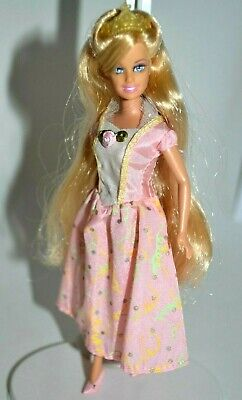 Barbie Princess and the Pauper Annika Doll, Mini Kingdom, Dress & Accessories